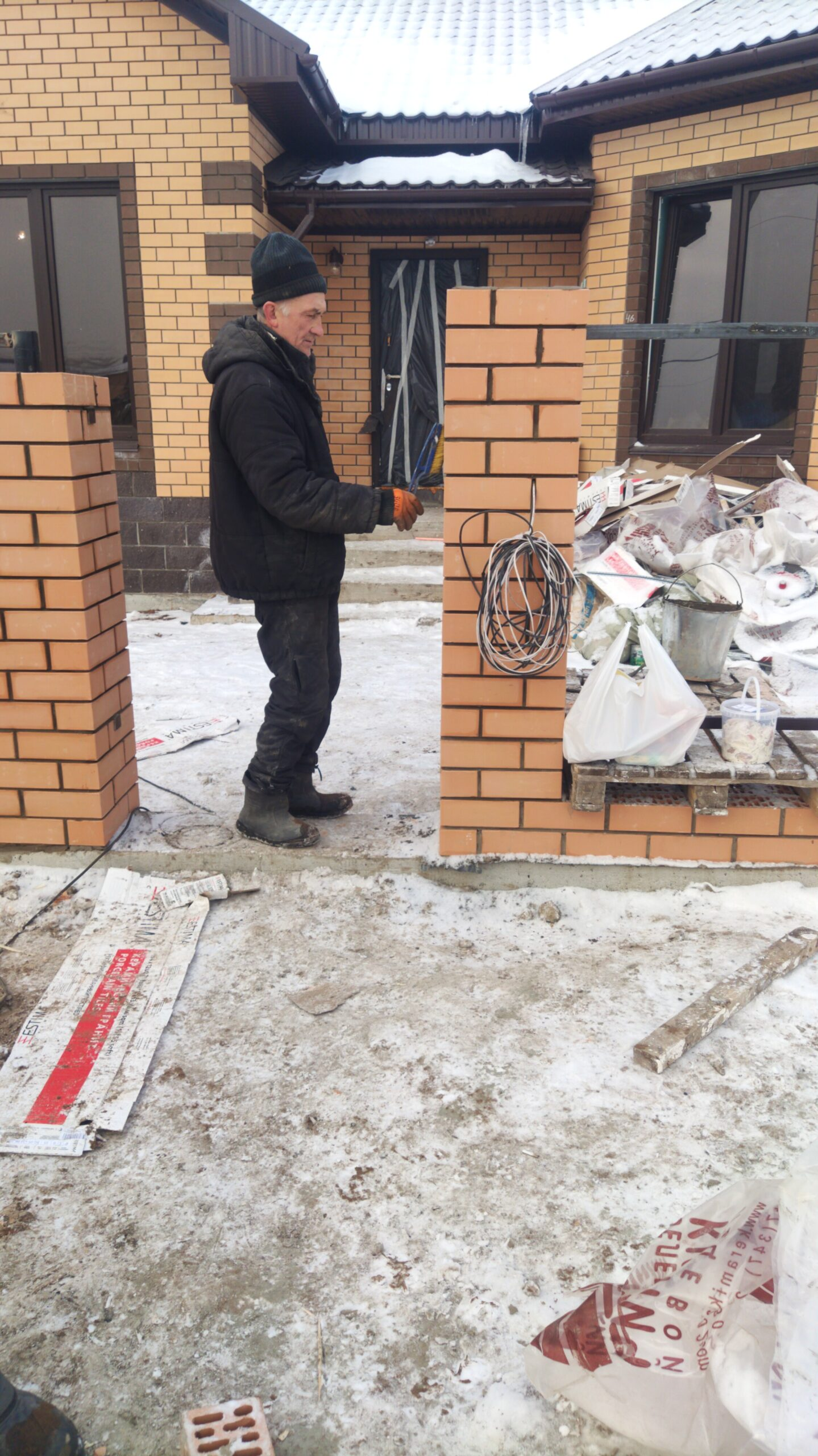 Столбы из кирпича монтаж строительство в г. Уфа п. Михайловка Грин 2
