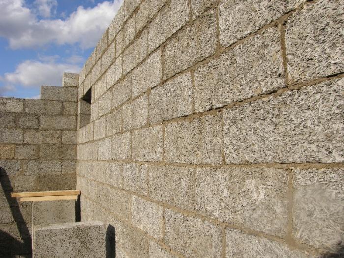 Стена из шлакоблока – арболит