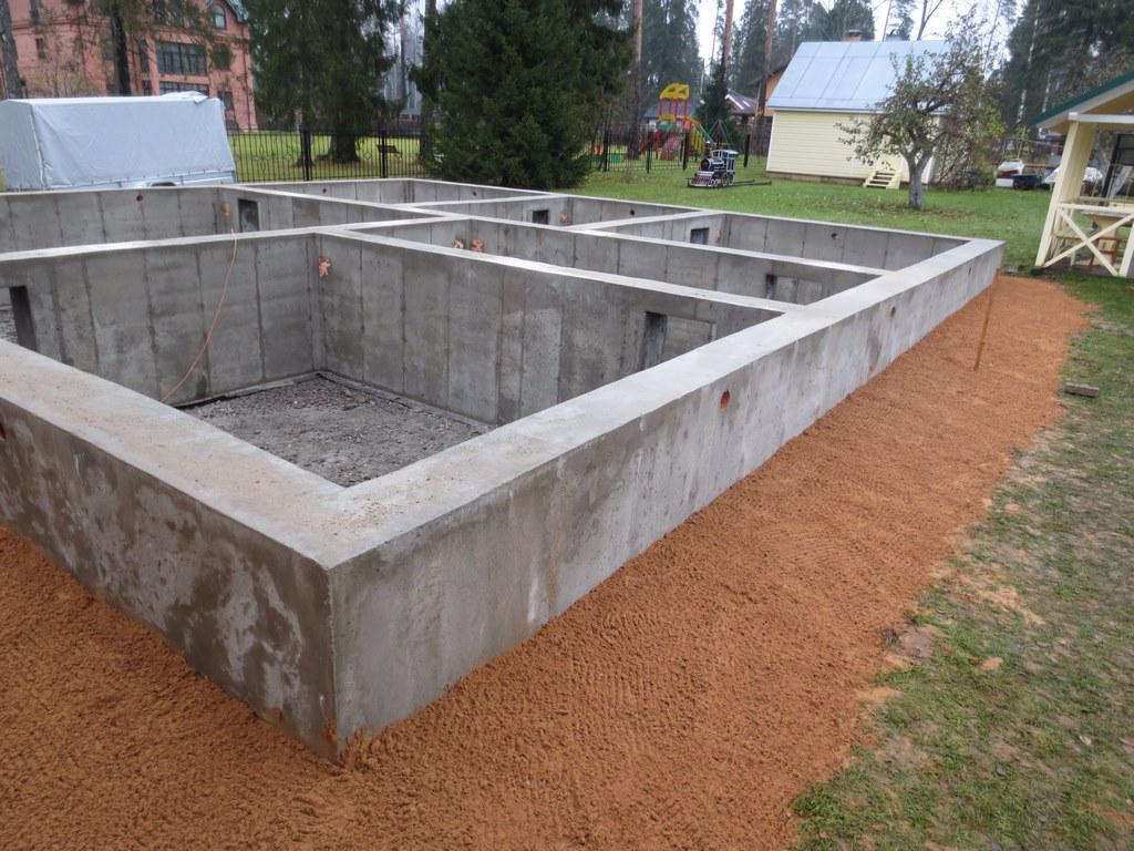 Ленточный фундамент для двухэтажного дома